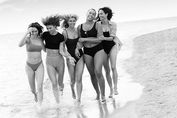 Gruppo di donne felici